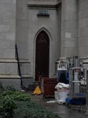 A very interesting side door, but still under construction