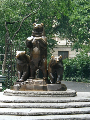 Bears outside of The Met (museum)