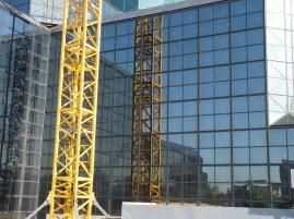 Crane, reflection, lines - sweet