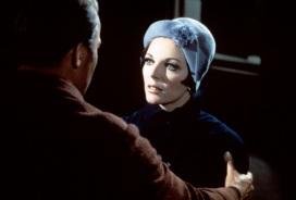 Kirk (William Shatner), Edith Keeler (Joan Collins) 1967