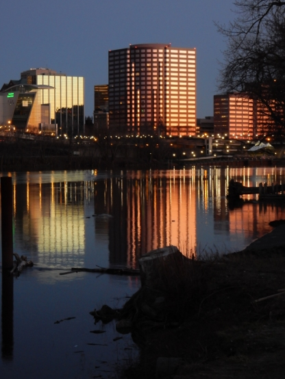 You probably recognize this by now. Hartford Steam Boiler Insurance (center) and the CT Science Center (left) from Great River Park.