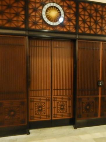 Elevator inside the atrium of the Railway Exchange Building