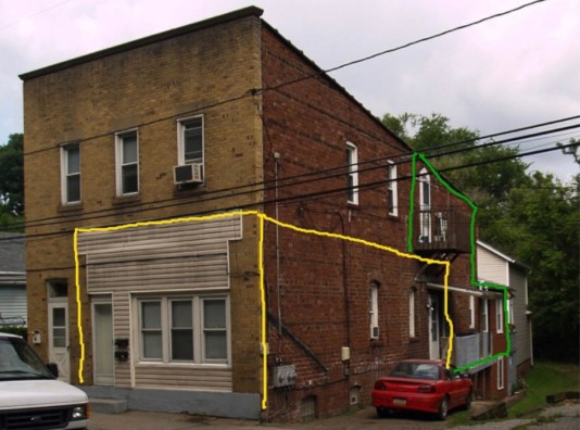 Her apartment is outlined in yellow. Ours was the one outlined in green. My favorite aunt live in the house in the back.