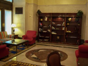 The hotel had a library. It was a nice place to wait for the room to be prepared.
