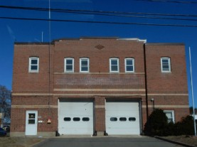 I'm not sure if this firehouse is still in operation. I've never seen any signs of life as I drive by.