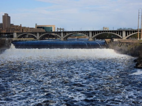 The (real) highway bridge, and St. Anthony's Falls, photographed from the stone arch bridge.