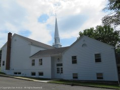Harwinton Congregational church, from the parking lot.