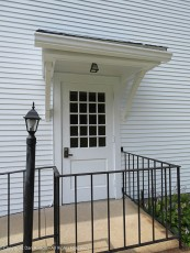 Side door and handicapped-person access at Harwinton Congregational Church.