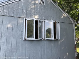 I put this window unit in about 30 years ago. I think I was 50 years younger. This has to come out in pieces.