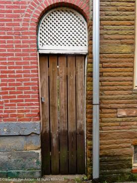 Another one of the narrow doors between buildings.