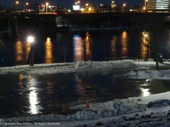 That's ice - a nice slide into the river - no, I didn't go into the park.