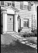 "On Facebook: ""A door for Dan"" - R.L. Bates [residence]. Kew Gardens, entrance."
