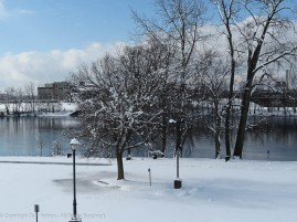 I got to work around 10:00am. Great River Park hadn't been plowed yet.