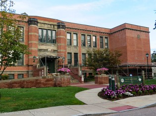 East Hartford Community Cultural Center - this is waht towns around here do with old schools.