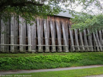 I love the groups of five slats forming the openings.