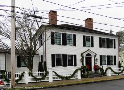 This is the Noah Pratt House (1805). Noah Pratt is a descendant of Captain Uriah Hayden (ship builder in featured photo).