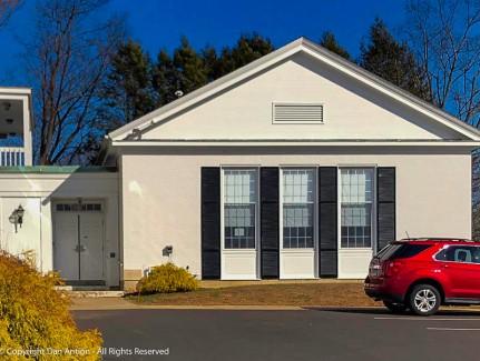 Side door (lamp) Enfield Congregational Church
