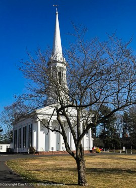 I pass this Congregational Church in Enfield at least once a week, but I never stopped for a picture.
