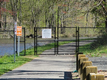 Gate at the entracne to the canal path. It's closed to quads and vehicles but open for pedestrians and bikes.