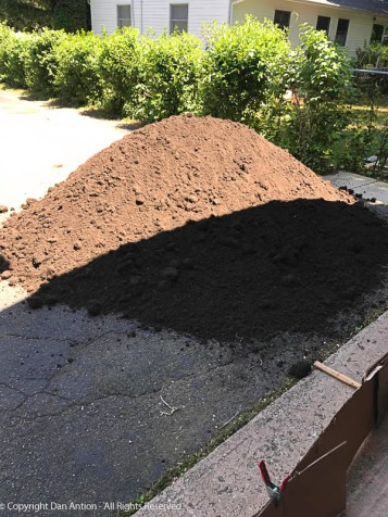 It doesn't look that big, but that's a lot of dirt.