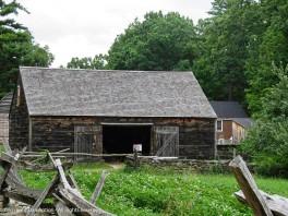 I love barn doors.