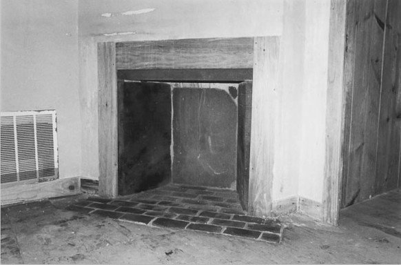 Makens Bemont house - fireplace from NHRP nomination form.