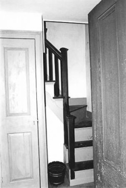 Makens Bemont house - from NHRP nomination form. They described the staircase as being narrow.