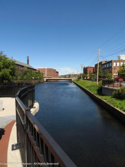 This is the second level canal, taken from one of the new pedestrian walkways crossing the canals at various points.