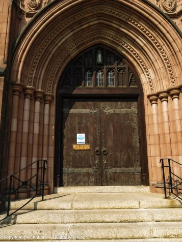 Main entrance to the chapel - closed due to the virus.