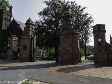 The entrance gates to Mount Holyoke College.