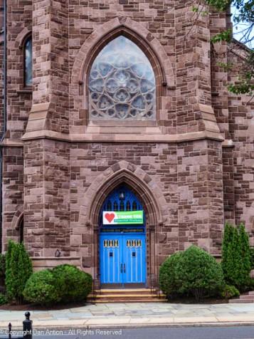 Side entrance to the Asylum Hill Congregational Church.