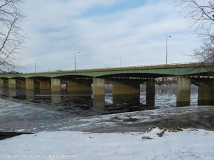 That's the I-91 bridge over the Connecticut River. The river is beginning to freeze, but given the warm weather that's coming, I doubt it will freeze over.