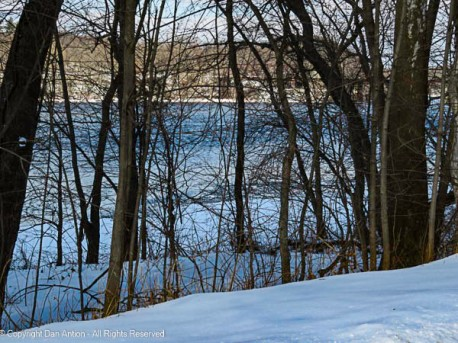 The Connecticut River has frozen out from the shore for about 50' (15m). It may continue for a few days, but then it's going to get warmer here.
