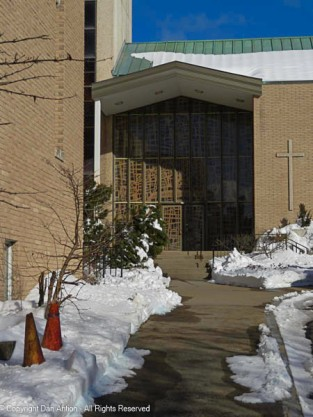 Waterbury Congregational Church front entrance.