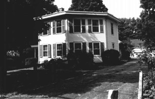 The octagon house in 1985, from the nomination form.