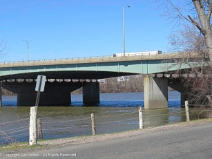 That's the Interstae-91 highway bridge over the Connecticut River. It connects Warehouse Point with Windsor Locks.