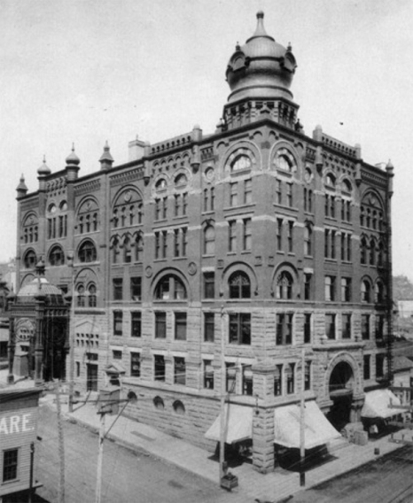 The Temple Opera Block and Temple Opera House photographed between 1890 and 1895. (Image: Duluth Public Library)